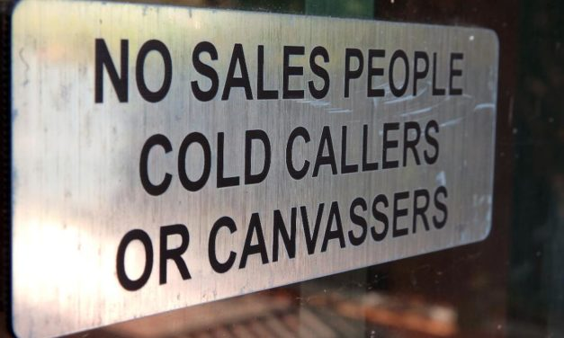 11 ANNOYING HABITS OF SALESPEOPLE THAT DAMAGE THE EXPERIENCE FOR PROSPECTS