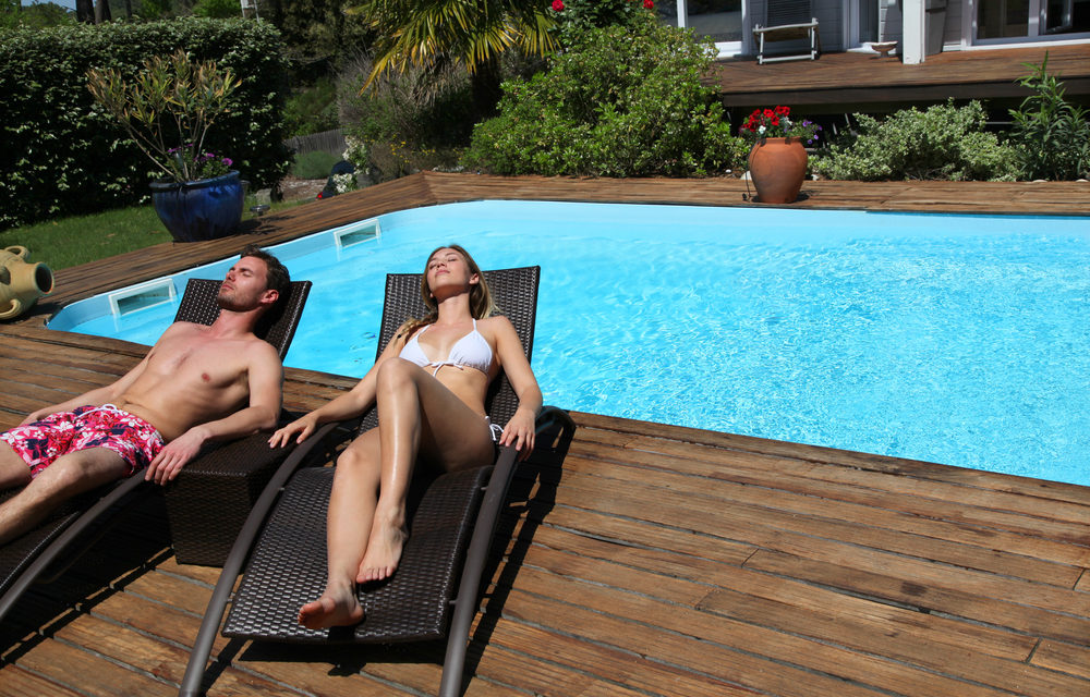 OUTDOOR LIVING 2018: SWIMMING POOLS, HOT TUBS AND SPAS