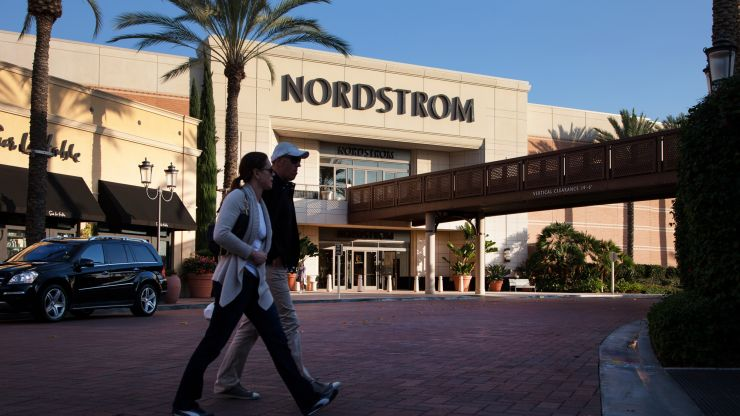 JC PENNEY IS FADING. NORDSTROM IS STRUGGLING. WALMART IS THRIVING. THAT SUMS UP WHAT'S HAPPENING IN RETAIL.