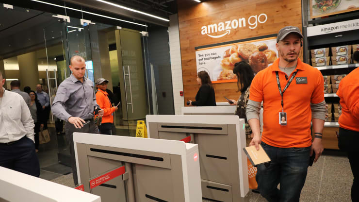Amazon Is in Talks to Bring Its Cashierless Go Technology to Airports and Movie Theaters