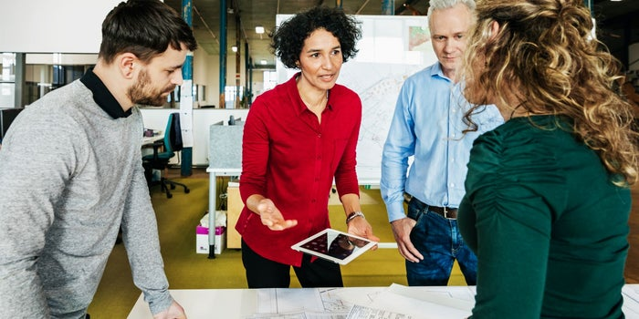How to Strike a Balance Between Micromanaging and Under-Managing