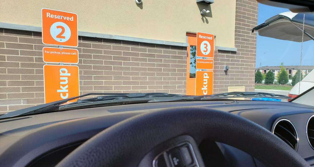 How Retailers are Adapting to Curbside Pickup