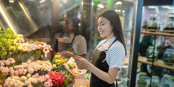 How to Overcome Floral Purchasing Barriers in Millennials
