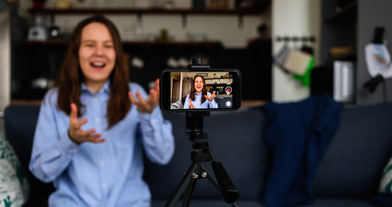 10 Sales Video Examples to Crush Quota from Call to Close